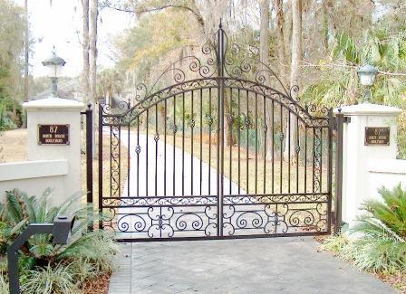 Custom-Aluminum-Drive-Gate