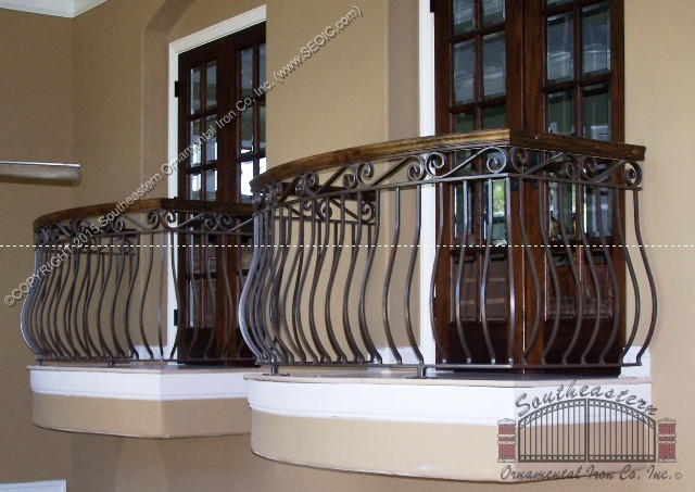 wrought-iron-railing-wood-cap(r-12)