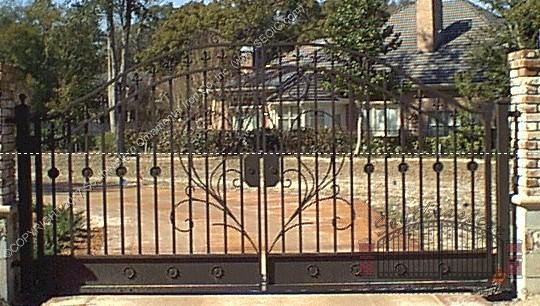 Custom Aluminum Driveway Gate (#VG-07)