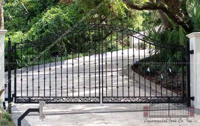 Custom Aluminum Driveway Gate (#VG-09)