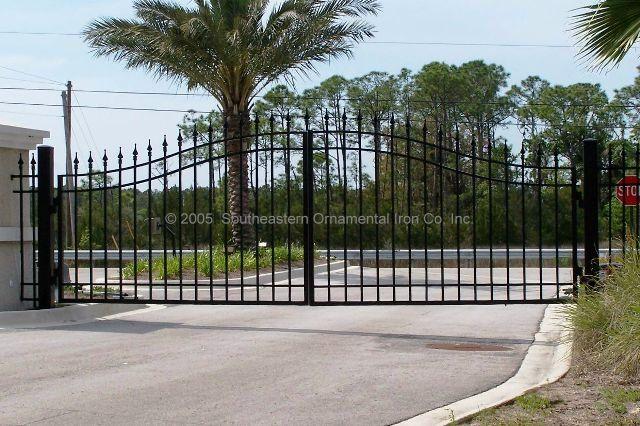 Custom Aluminum Driveway Gate (VG-10)