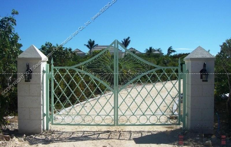 Custom Aluminum Driveway Gate (#VG-18)