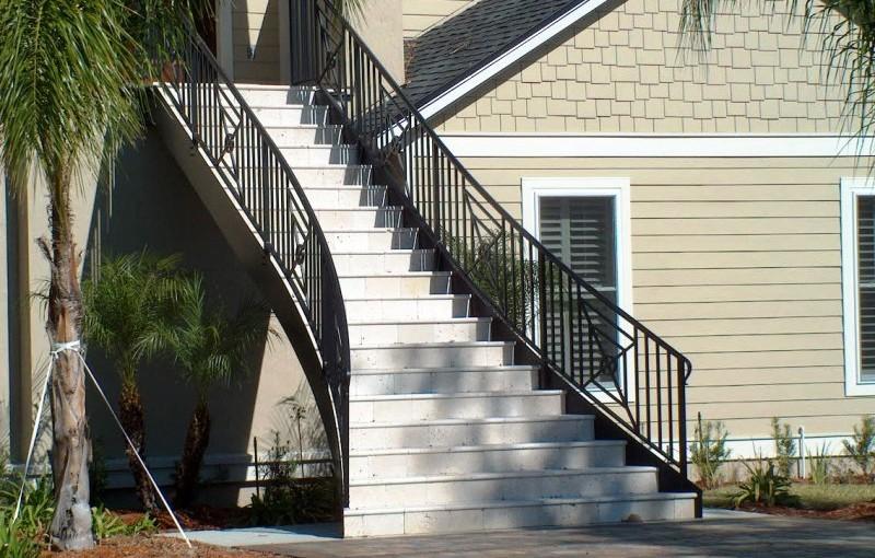 Exterior-Aluminum-Stair-Railing-(SR-40)