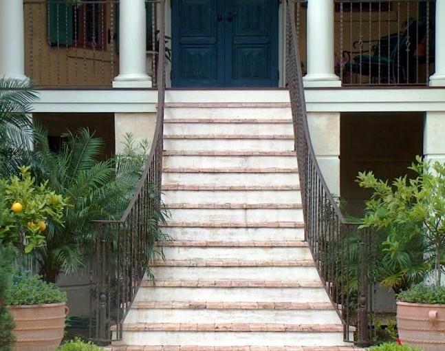 Exterior-Aluminum-Stair-Railing-(SR-42)